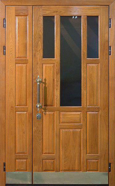 двери входные со вставкой из дерева