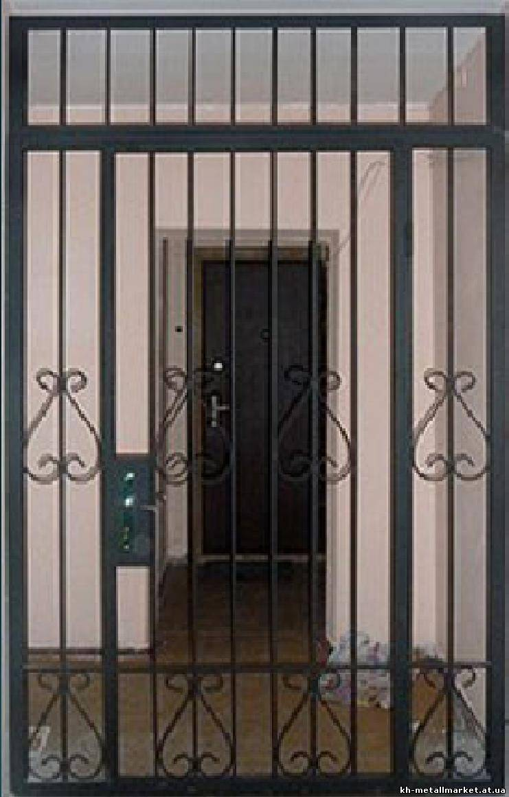 металлические решётки на тамбурные двери