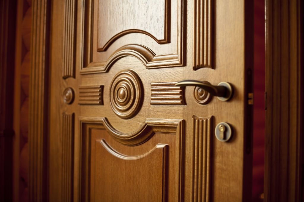 элитные железные двери с окном